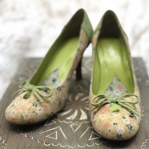Sweet Summer Heels with Flowers and Bow Detail